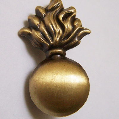 British WW 1 collar shoulder badge